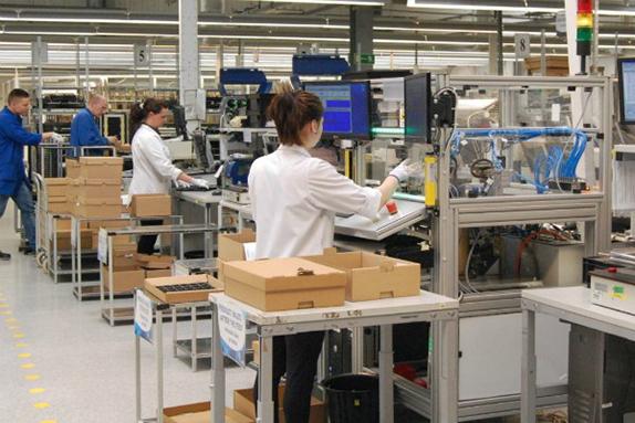 Контроль якості продукції. Жінки до 45 років з візами від 4х місяців
